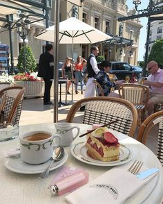 Brunch Cafe Paris France 19 Ideas For 2019 Coffee Break, Coffee Time, Tea Time, Healthy Bowl, Momento Cafe, Brunch Cafe, Think Food, Expensive Taste, Aesthetic Food