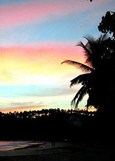 Sun setting over Mirissa Beach, Mirissa, Sri Lanka (www.secretlanka.com)