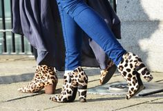 <3 the way the blue en the leopard comes together.