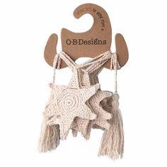 Crochet Patterns Neutral Starfish Crochet Bunting / Natural - O. Crochet Home, Cute Crochet, Crochet Crafts, Hand Crochet, Crochet Starfish, Crochet Bunting, Christmas Bunting, Craft Stalls, Hanging Garland