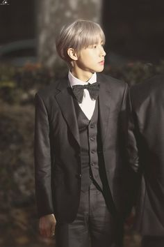 suit and tie Nct 127, Huang Renjun, Jisung Nct, Fandom, The Little Prince, Suit And Tie, Grey Hair, Winwin, Taeyong