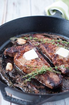 Steakhouse-Quality Seared Strip Loin Steak These strip loin steaks are a perfect treat in the comfort of your own home, and at a fraction of the steakhouse cost. These steaks are freakin' amazing! Steak On Stove, Steak In Oven, How To Grill Steak, Ny Steak, Ny Strip Steak, Beef Steak, Skillet Steak, Strip Steak Recipe Oven, Chicken