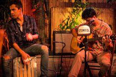 Banda Stoked ao vivo no Pe Ahi Barra da Tijuca! • Barrazine