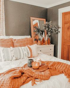 Fall Bedroom, Room Ideas Bedroom, Home Bedroom, Bedroom Decor, Bedroom Inspo, Bedrooms, Fall Room Decor, Home Decor, Home Decor Ideas