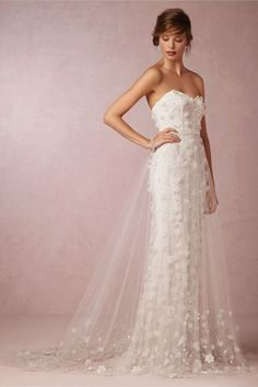 LOVE FIND CO. // BRIDAL DRESSES FOR YOUR BODY SHAPE