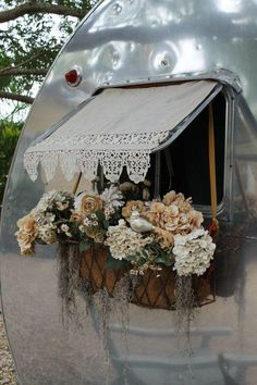 Go glamping in a proper manner. Beautiful camper or tent window/awning coverings.now this is what you call GLAMPING! Vintage Campers, Camping Vintage, Vintage Rv, Caravan Vintage, Retro Campers, Gypsy Caravan, Gypsy Wagon, Vintage Caravans, Vintage Travel Trailers