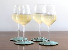 coasters that hug the bottom of the glass