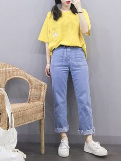 korean street fashion which look cool. What Is Fashion, Fashion In, Korean Girl Fashion, Korean Fashion Trends, Ulzzang Fashion, Korean Street Fashion, Korea Fashion, Asian Fashion, Fashion Outfits