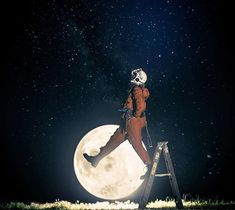 Everyday Astronaut - That's one small step (ladder) for man Small Step Ladders, Cosmos, Surreal Photos, One Small Step, Surrealism Photography, Man On The Moon, Space And Astronomy, My Daddy, Outer Space