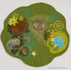 Forest Floor Play Mat--Like to make this for S. Waldorf Crafts, Waldorf Toys, Felt Play Mat, Play Mats, Felt Crafts, Diy Crafts, Felt Fairy, Ornament Tutorial, Homemade Toys