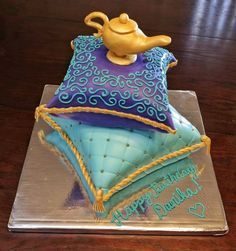 Aladdin Cake purchase the lamp in plastic two square cakes large and fondant Jasmine Birthday Cake, Aladdin Birthday Party, Themed Birthday Cakes, Birthday Cake Disney, 4th Birthday, Princess Jasmine Cake, Cinderella Princess, Princess Aurora, Princess Bubblegum