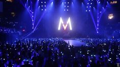 Maroon 5 performs with XYLOBANDS lighting up the crowd
