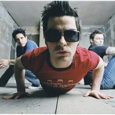 Listen to music from Stereophonics like Dakota, Maybe Tomorrow & more. Find the latest tracks, albums, and images from Stereophonics. Richard Jones, Music For Studying, Band Photography, Britpop, Rock Groups, Band Photos, Music Like, Best Rock, Jimi Hendrix