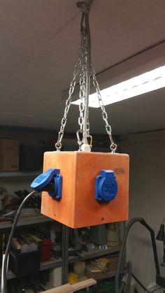 ПЕРЕДВИГАТЬСЯ ПО ЗАЛУ Power Cube für die Werkstatt Bauanleitung zum selber bauen