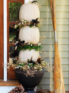 Halloween and Fall Thanksgiving White Pumpkin Topiary for DIY NETWORK made by Joanne Palmisano Salvage Secrets Photo by Susan Teare Fall Topiaries, Pumpkin Topiary, Fall Planters, Diy Pumpkin, Pumpkin Crafts, Fall Hanging Baskets, Hanging Plants, Diy Hanging, Fall Containers