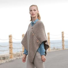 Made in Patons Shetland Chunky, this poncho is a great beginner pattern to learn shaping, and practice double crochet and half double crochet stitching. Poncho Sweater, Knitted Poncho, Crochet Cardigan, Knit Or Crochet, Crochet Gifts, Crochet Shawl, Ravelry Crochet, Bernat Softee Chunky, Crochet Poncho Patterns