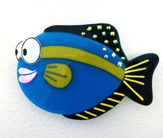 NancyBonig.com - Fish Fused Glass Plates, Fused Glass Art, Mosaic Glass, Stained Glass Mirror, Stained Glass Projects, Glass Fusion Ideas, Glass Aquarium, Bee Creative, Cartoon Fish