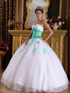 Pretty Sweet Sixteen Quinceanera Dresses in White and Apple Green