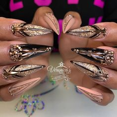 New Red Stiletto Nails Glitter Bling 69 Ideas Bling Nail Art, Bling Nails, Almond Acrylic Nails, Cute Acrylic Nails, Dope Nails, Glam Nails, Stiletto Nails Glitter, Gorgeous Nails, Finger