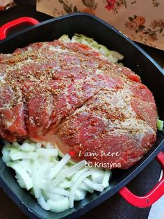 Naprosto vynikající a jednoduché na přípravu je trhané maso například z krkovice. Potrebujete JEN trpělivost, neboť správná příprava vyžaduje několik hodin. Steak, Pork, Fit, Kale Stir Fry, Shape, Pigs, Steaks, Beef