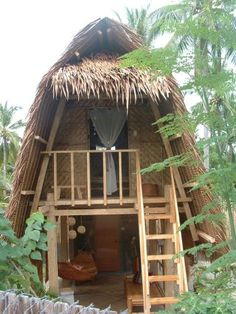 Peaceful vernacular abode. I would like to live here my whole life.