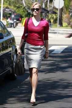 Reese Witherspoon Pencil Skirt - Reese Witherspoon Looks - StyleBistro