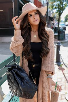 Black and Cognac, my favorite color combo for fall season. Classy Outfits, Casual Outfits, Summer Outfits, Cute Outfits, Fashion Outfits, Womens Fashion, Fashion Trends, Feminine Fall Outfits, Feminine Fashion