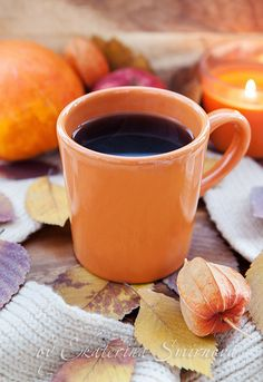 Very torn between pinning on my coffee board or my autumn board. Let's go with autumn.