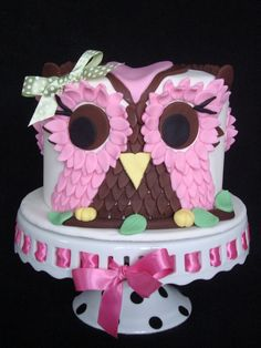 Owl Cake Pic - For my friends daughter's first birthday.this was sooo much fun to make. by tara Gorgeous Cakes, Pretty Cakes, Owl Desserts, Girl Birthday, Birthday Ideas, Birthday Cakes, Owl Cakes, Vintage Cookbooks, Cupcake Cookies