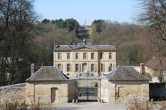 Photo: Château Villette (Da Vinci Code) - Gondécourt - France