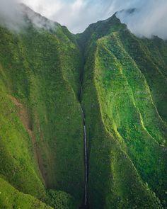 Go chasing waterfalls! Kauaʻi Hawaii | Photo by @dylan.schwartz by earthpix