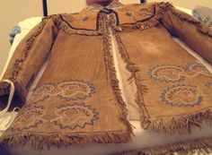 Cherokee Clothing, Cherokee Tribe, Native American Clothing, Native American Artifacts, American Indians, Leather Coats, First Nations, My People, Clothes