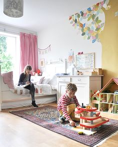 Living With Kids: Esther van de Paal