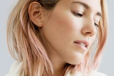 Loving these skinny gold hoops and microscopic studs