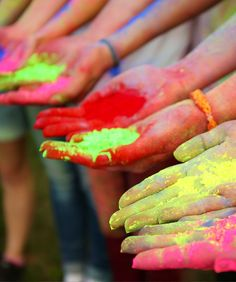 Holi—Celebrated by Hindus Around the World | TOP 10 World Legendary Festivals You Don't Want To Miss