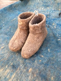 Unisex brown felt slippers, felted wool natural slippers, Felted shoes, real wool slippers, handmade shoes, Christmas by FeltFabrica on Etsy