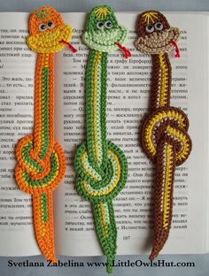 3 snake crochet Free pattern bookmark.  Hey @Sara Eriksson Eriksson Huycke and @Tracy Stewart Stewart Sanderson Noel check this one out. :)