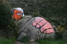 murales sulla roccia - ORGOSOLO - inserita il 30-Dec-07
