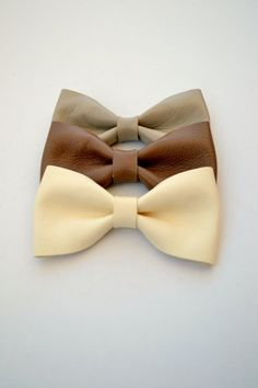 Leather hair bow / Off white bow clip / Hair by LeatherDetails