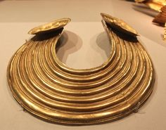 Gold Collar. 800-700 BC. National Museum of Ireland. No wonder the Vikings came looking for gold...