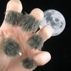 Furry nails have to be the most ideal nail trend this year. Not only are they immensely cosy but also rather a very appealing thing to do to your nails. Crazy Nail Designs, Beautiful Nail Designs, Nail Art Designs, Crazy Nail Art, Crazy Nails, Weird Nails, Objet Wtf, Fingernail Designs, Nail Art Galleries