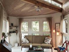 F O X T R E E H O U S E A cozy tree house AirBnb rental located in Nashville Tennessee by @emilyleonardstudio