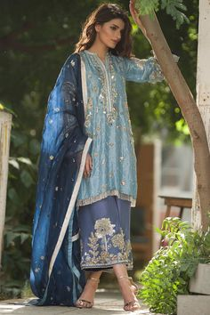 """Traditional craftsmanship and intricate detailing! We bring to you our couture collection 2017 """"Qashang"""". Pakistani Couture, Pakistani Dress Design, Pakistani Outfits, Indian Outfits, Shadi Dresses, Nikkah Dress, Indian Dresses, Pakistan Fashion, India Fashion"""