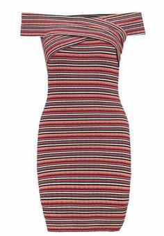 Los Vestidos Ligeros Se Convierten En La Mejor Opción  Los vestidos ligeros se convierten en la mejor opción con la llegada de las…