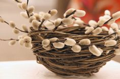 pussy willow basket- so simple and so beautiful...@aholzknechtova