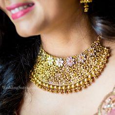 Azva gold jewellery on the WeddingSutra bride Bracelets Design, Gold Bangles Design, Gold Jewellery Design, Designer Jewellery, Chain Jewelry, Bridal Jewellery, Handmade Jewellery, Statement Jewelry, Wedding Jewelry