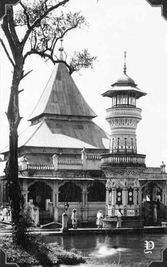 Masjid Taluk Bukittinggi.West Sumatera. Philippine Art, Minangkabau, Dutch East Indies, Indian Architecture, Building Design, Old Photos, Philippines, Taj Mahal, Padang
