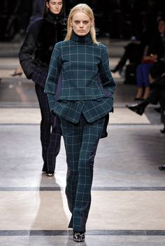 Sacai Fall 2013 Ready-to-Wear Collection Slideshow on Style.com