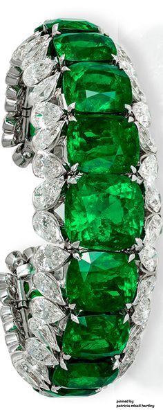 Emerald Diamond Necklace amp Earrings by David Morris Green Emerald Bracelet, Sapphire Earrings, Emerald Jewelry, Diamond Bracelets, Diamond Jewelry, Jewelry Bracelets, Bangles, I Love Jewelry, Fine Jewelry