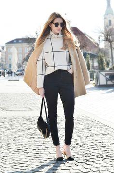Coat – SheIn / Jeans – Tezenis / Sweatshirt – Chicwish / Bag – Jessica Buurman / Shoes – Jessica Buurman / Sunglasses – ZeroUV.